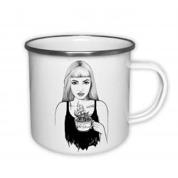 Holka s čajem - plecháček
